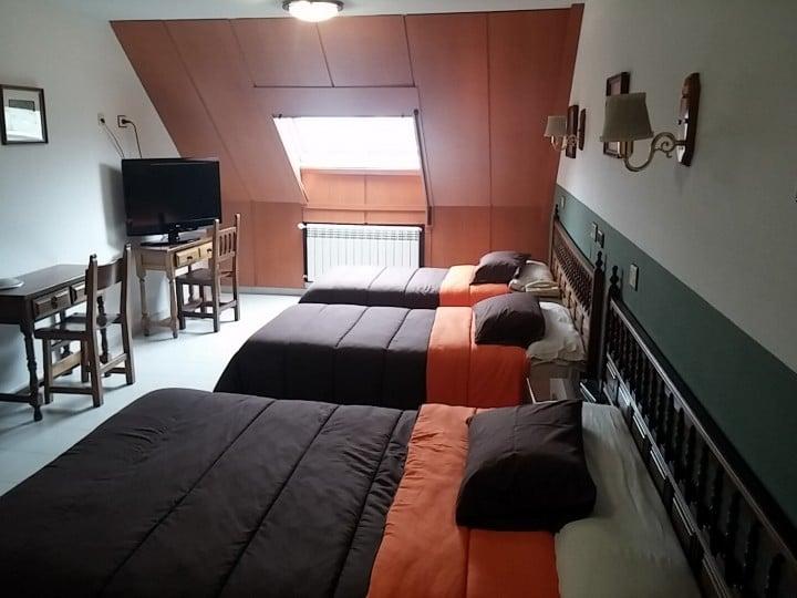 Cuatro pueblos con encanto cerca de Lugo- Reserve su estancia en el Hotel Los Olmos